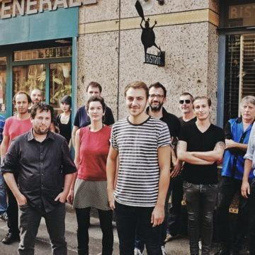 La Quincaillerie Générale s'est transformée en QG des « caf' conc' » rennais . Né en 1999 à Nantes, le collectif Culture Bar-Bars est venu y présenter ses avancées sur le plan national. Dans la salle, onze patrons de café rennais qui ont décidé de s'unir et de rejoindre le mouvement.